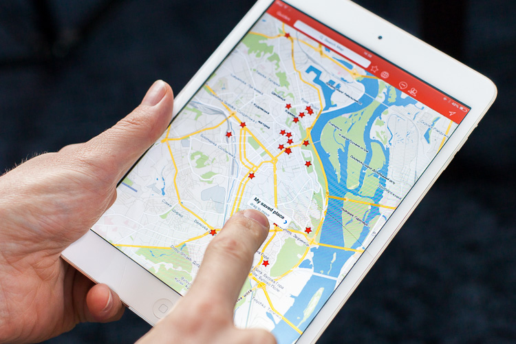 Setting a pin in one of my favourite travel apps: CityMaps2Go