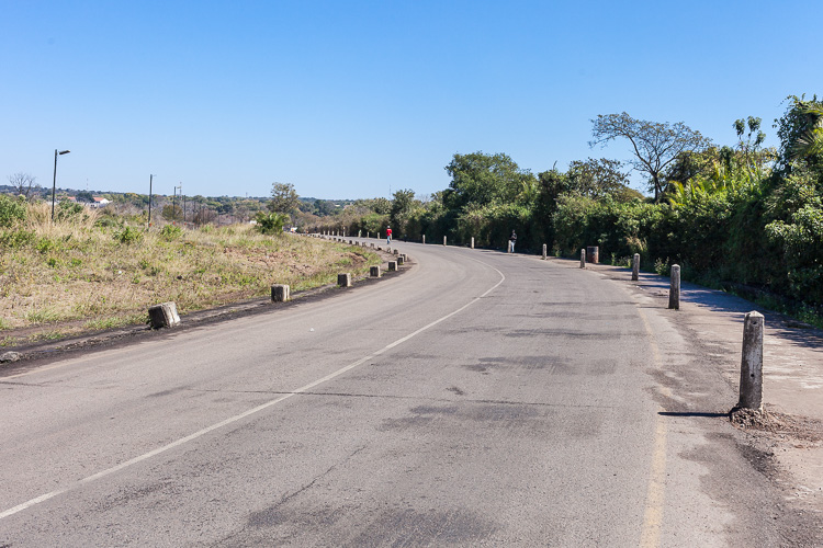 A stretch of no man's land is located between the borders of Zambia and Zimbabwe