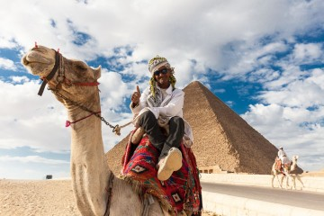 How to Avoid Getting Scammed at Egypt's Great Pyramids