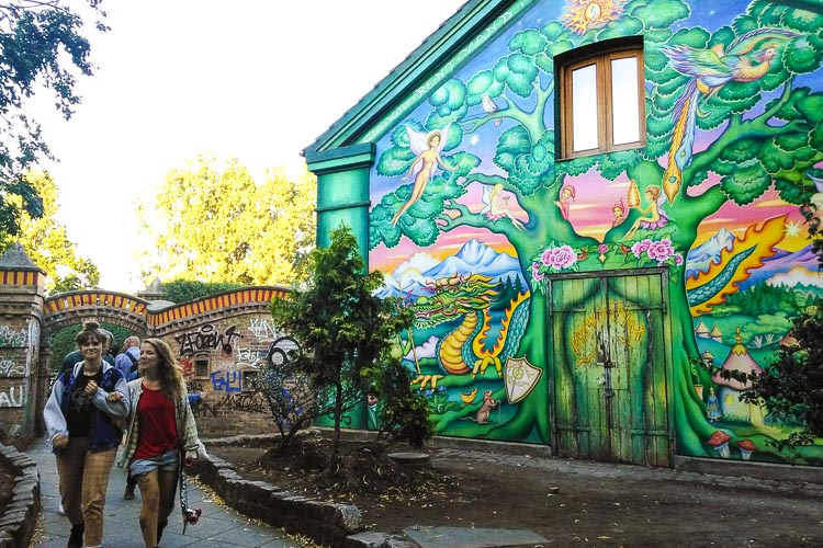 how to get to freetown christiania
