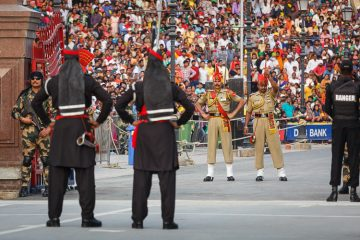 I Watched The Bizarre India Pakistan Border Closing Ceremony